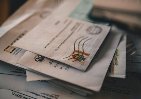 Doręczenie decyzji administracyjnej osobie fizycznej w miejscu jej pracy za pośrednictwem osoby upoważnionej przez pracodawcę do odbioru pism